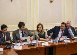 oficina-comercial-espana-acea-sesion-negociacion